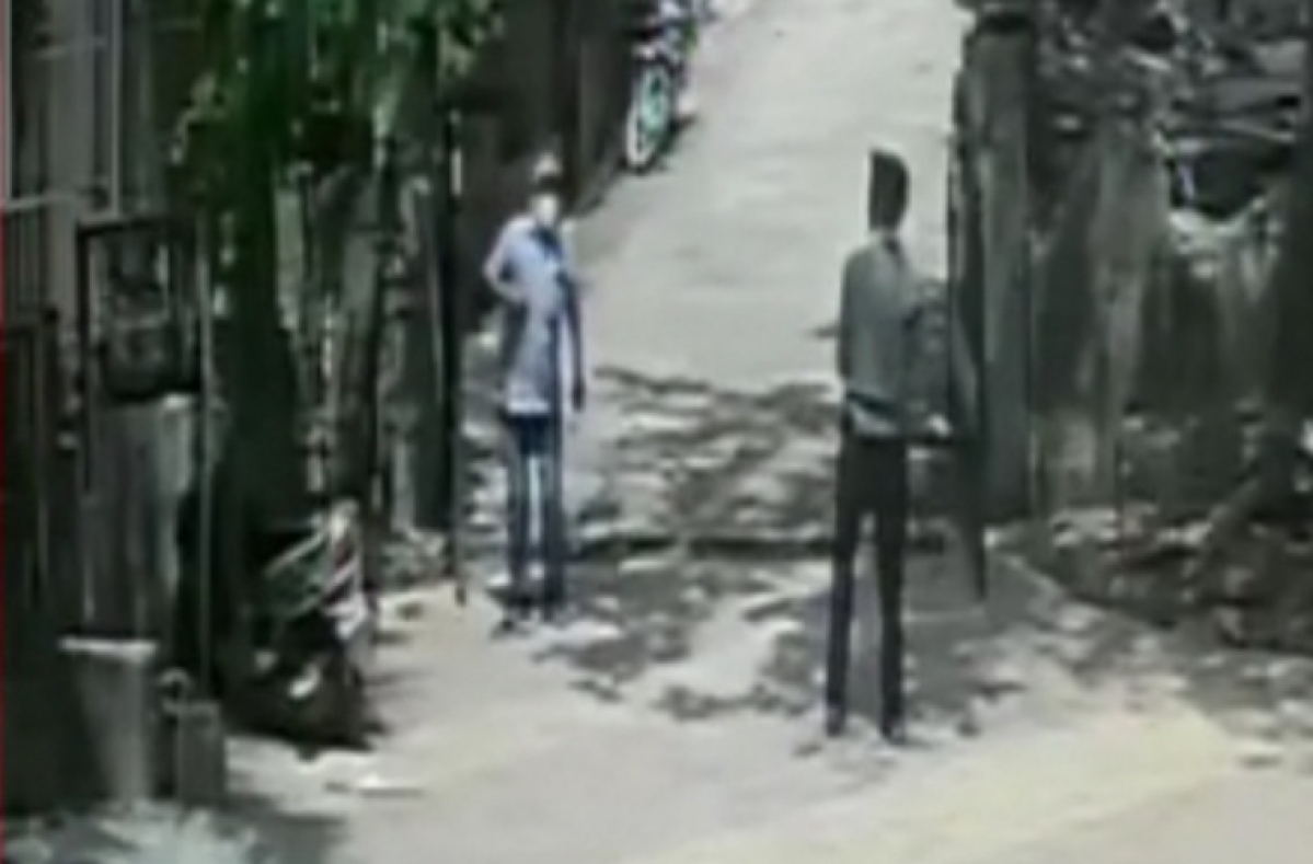 Kalyan: Man assaults watchmen of society with bike chain for delaying to open building gate