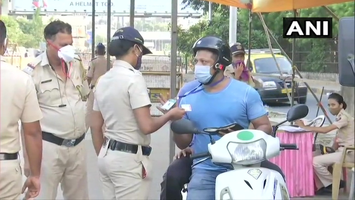 COVID-19: Attention Mumbaikars, city police is checking IDs of commuters amid state-wide lockdown
