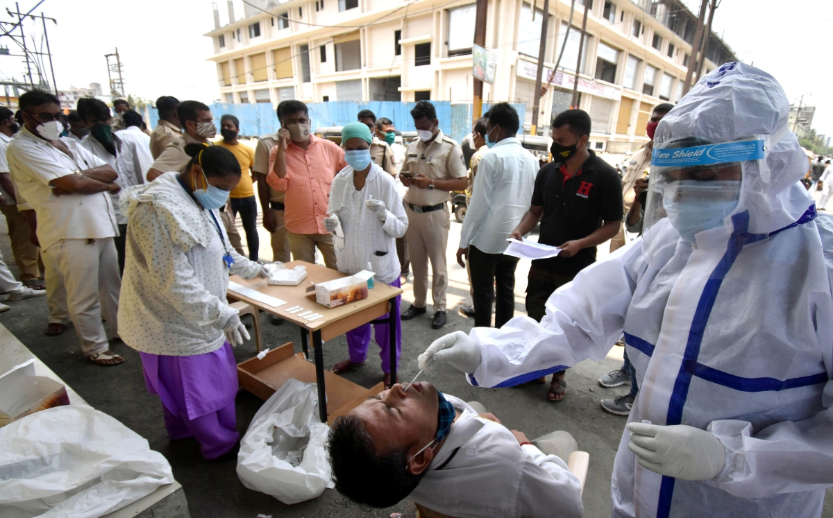 COVID-19: Mumbai reports 3,056 fresh cases, 69 deaths on May 6