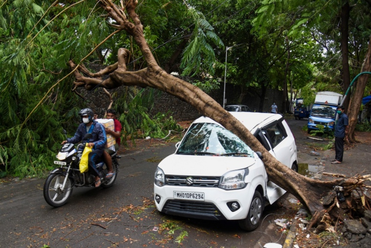 Cyclone Tauktae brings record May rains, mayhem in Mumbai; one dead, 10 injured in city