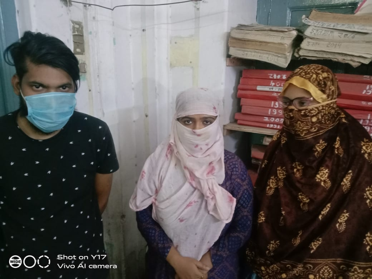 Nurses and middleman who were caught running a Remdesivir black market racket at Charak Government Hospital in Ujjain on Thrusday