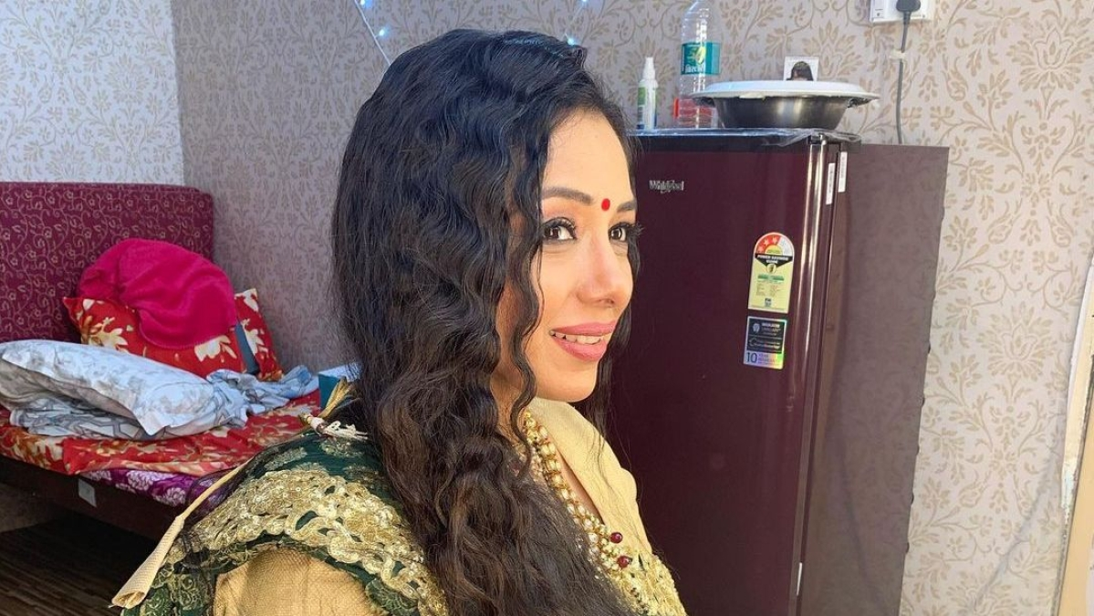 Rupali Ganguly takes a hilarious dig at her 'Monisha' stint, asks fans to ignore the mess in latest pic