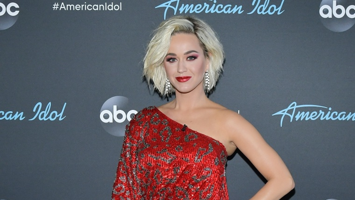 Singer Katy Perry regrets being obsessed with boys in younger days