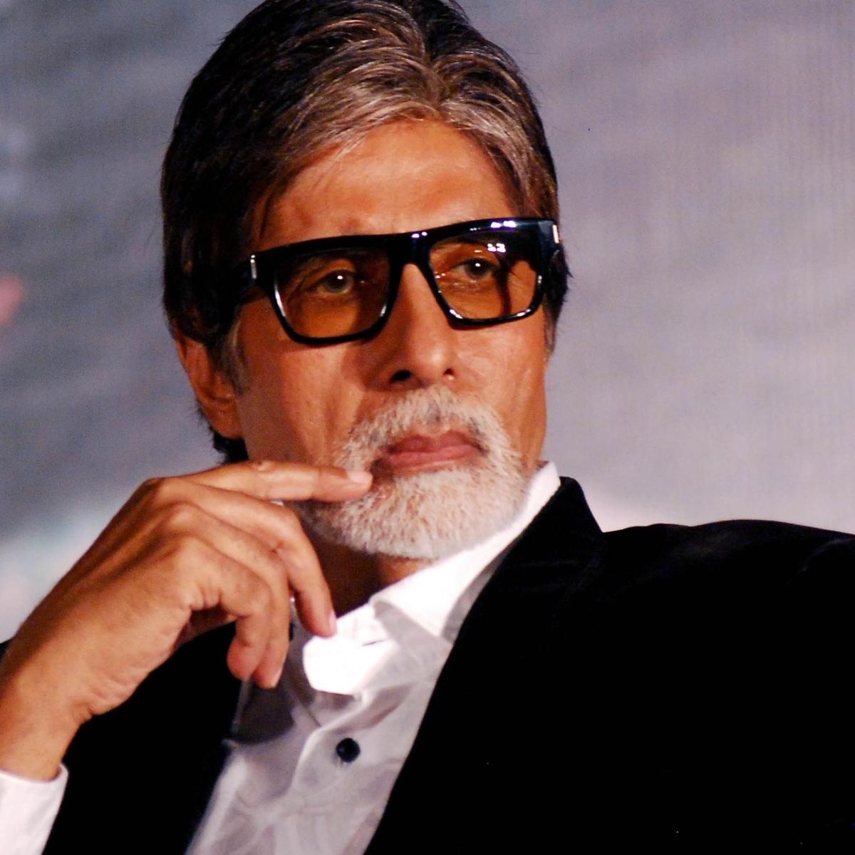 Amitabh Bachchan donates equipment to set up 25-bed COVID facility in Mumbai