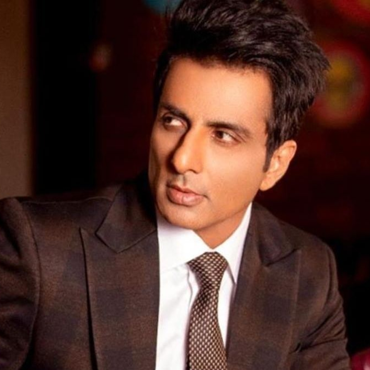 'I'd be broken...': Sonu Sood says he's glad his parents are not alive to see the COVID-19 pandemic