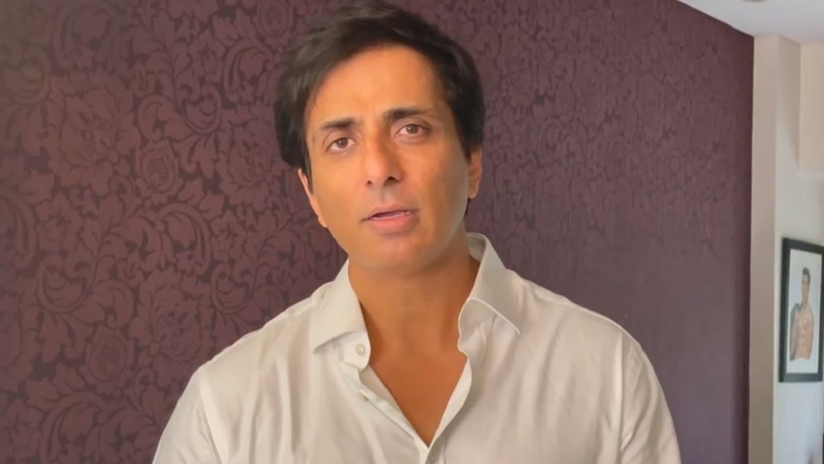 Sonu Sood appeals to the government to make cremation services free of cost amid COVID-19 crisis