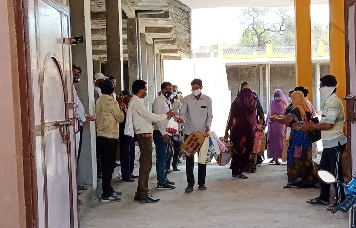 Madhya Pradesh: To celebrate corona free status of village, villagers send 2,200 watermelons to crematorium