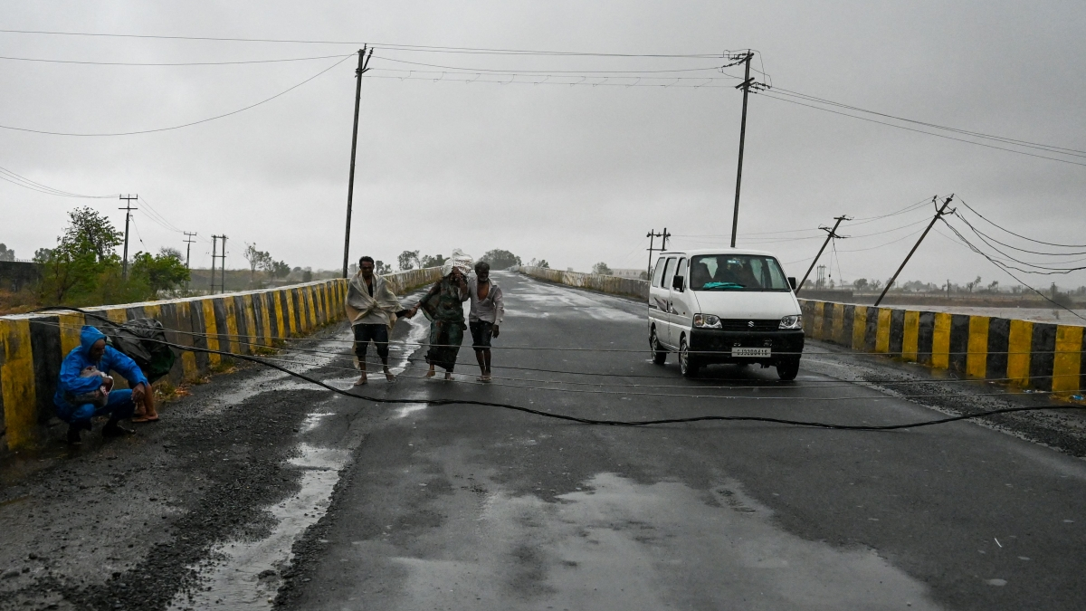 Cyclone Tauktae aftermath: Even after two days, people continue to face power outages in MMR region