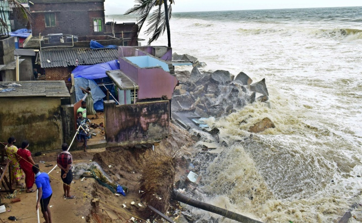 Cyclone Tauktae: 4 killed in Karnataka, 2 in Goa; hundreds of houses damaged, trees uprooted due to cyclonic storm