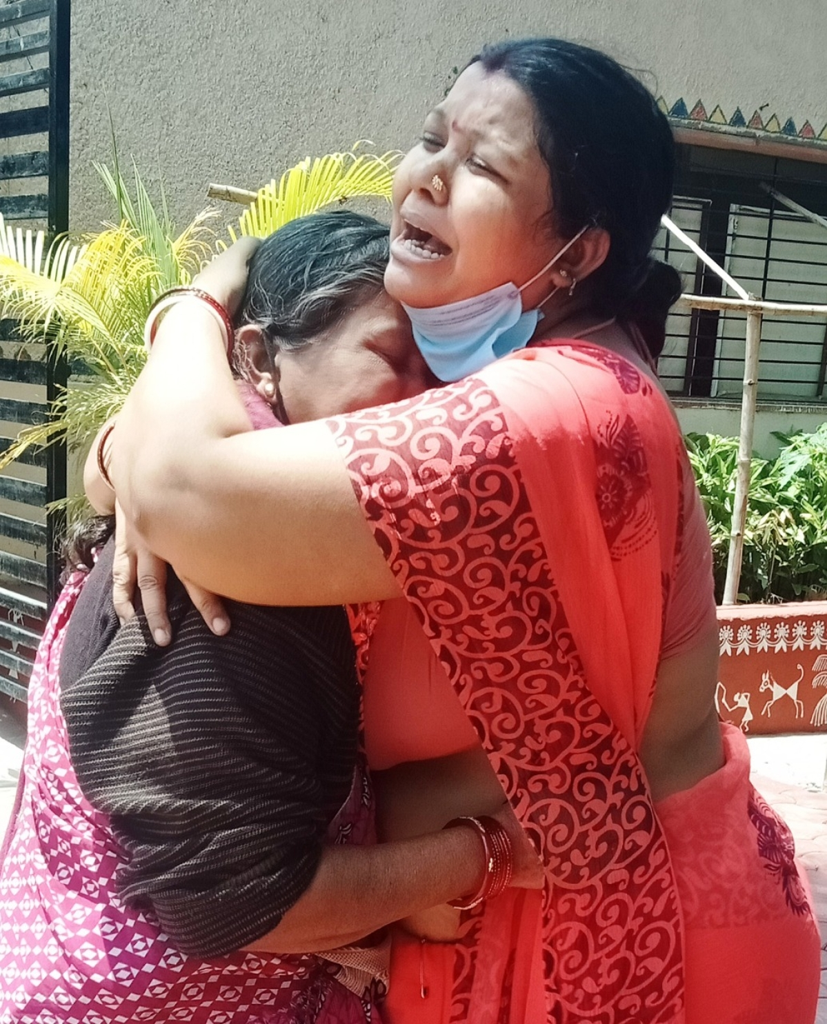 P3: A woman from Bihar reunites with her daughter in the Sevadham Ashrma in Ujjain