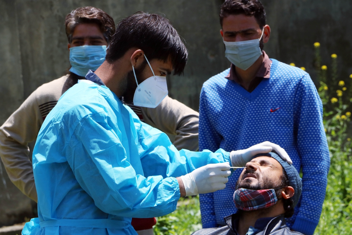COVID-19 tally drops as death toll remains high: India reports 2,57,299 new infections, 4,194 fatalities in last 24 hours