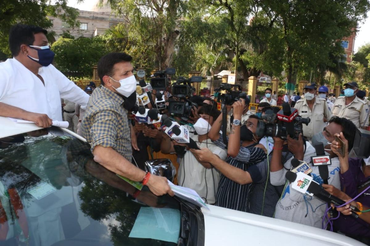 Indore: Jitu Patwari blasts government, says cheating people with false data