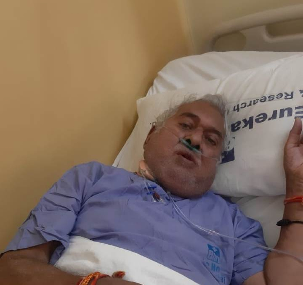 Indore: 70-year-old doctor with over 90% lung infection defeats Covid, had contracted disease while treating patients