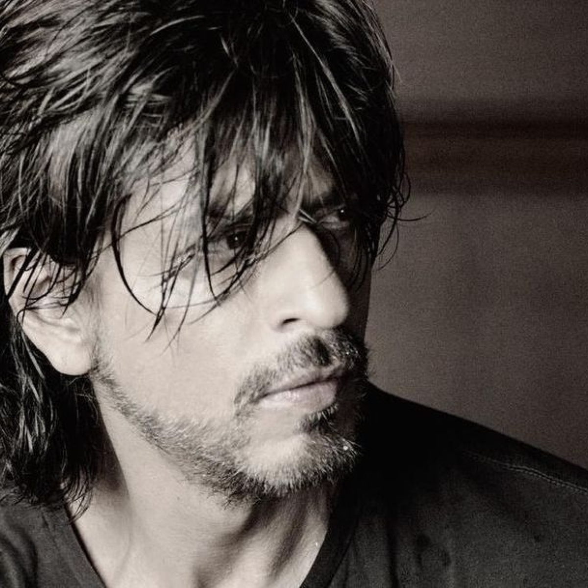 Shah Rukh Khan extends Eid wishes with a monochrome pic, prays for 'health and strength' amid COVID crisis