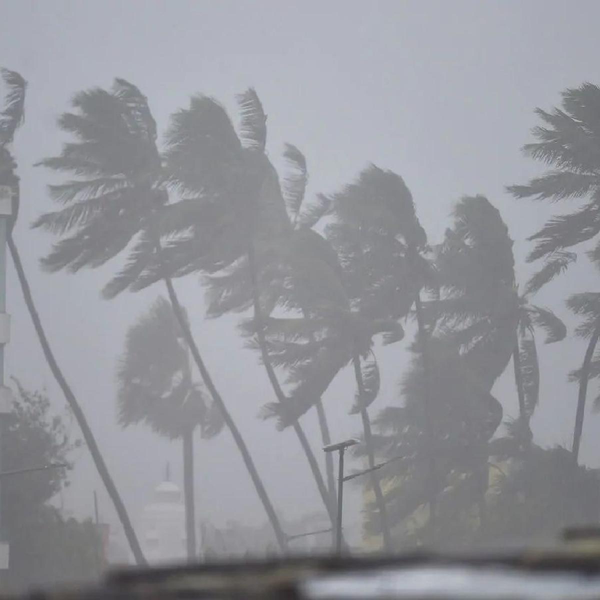 IMD issues cyclonic storm warning, predicts heavy rainfall in parts of Maharashtra and Gujarat
