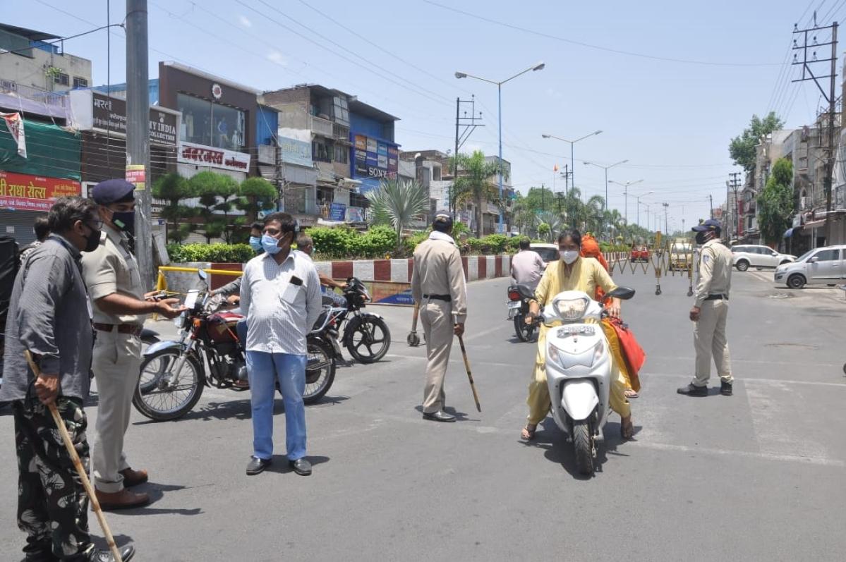 Police stopped the people roaming in Patnipura area.