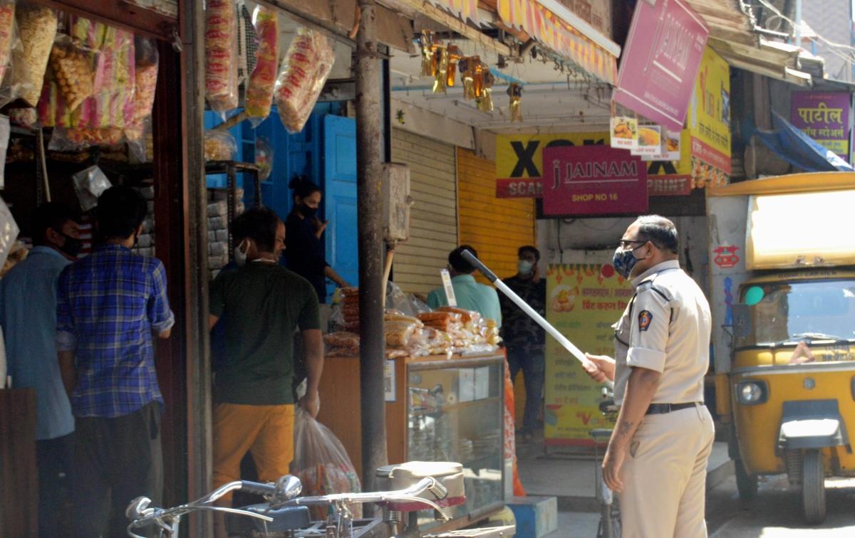 Cops shut down shops during the lockdown. (Representative Photo)