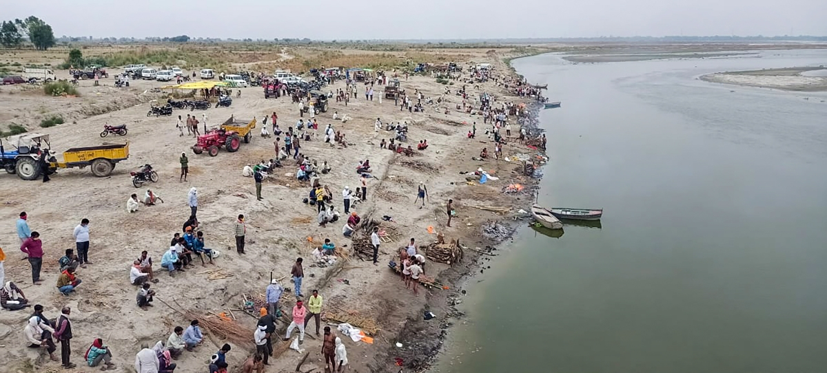 Centre asks UP, Bihar to prevent dumping of bodies in Ganga
