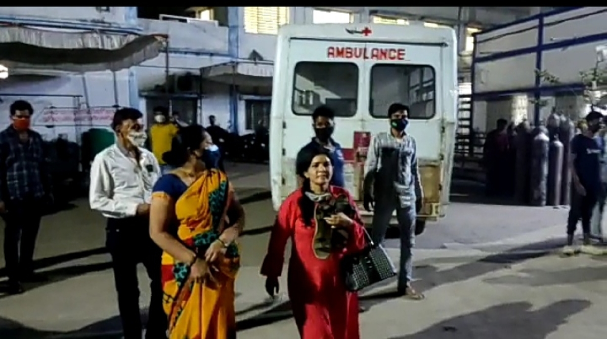 Barwani: Unruly scene at trauma centre as Covid patients' kin raise ruckus over deaths