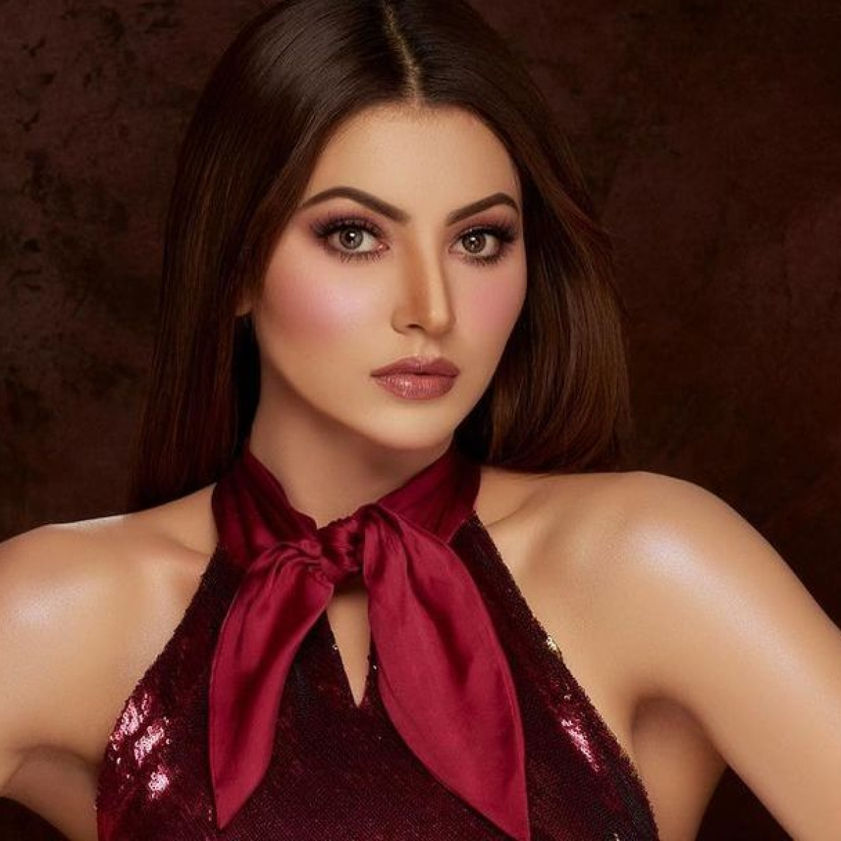 Urvashi Rautela to donate 'Versace Baby' proceeds towards COVID-19 relief in India, Palestine Red Crescent Society