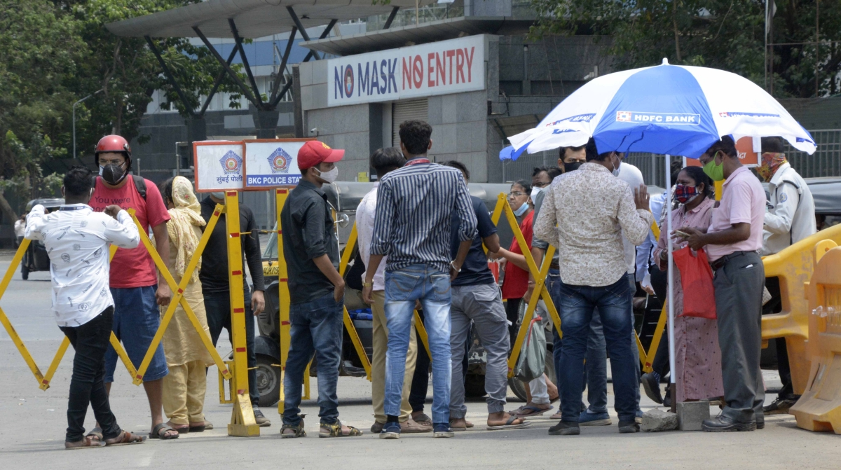 Mumbai: BMC issues fresh guidelines to avoid crowding at COVD-19 vaccination centres; check details here