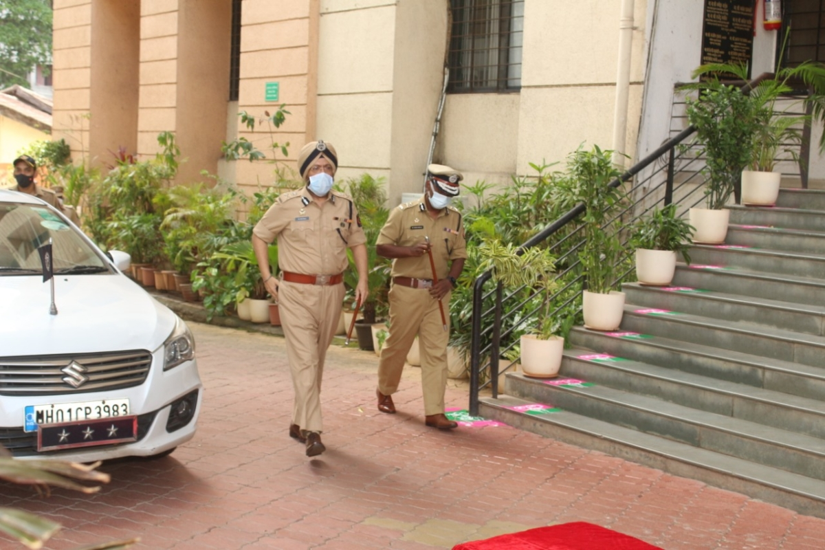 Jaijeet Singh takes charge as Thane Police Commissioner; see pics