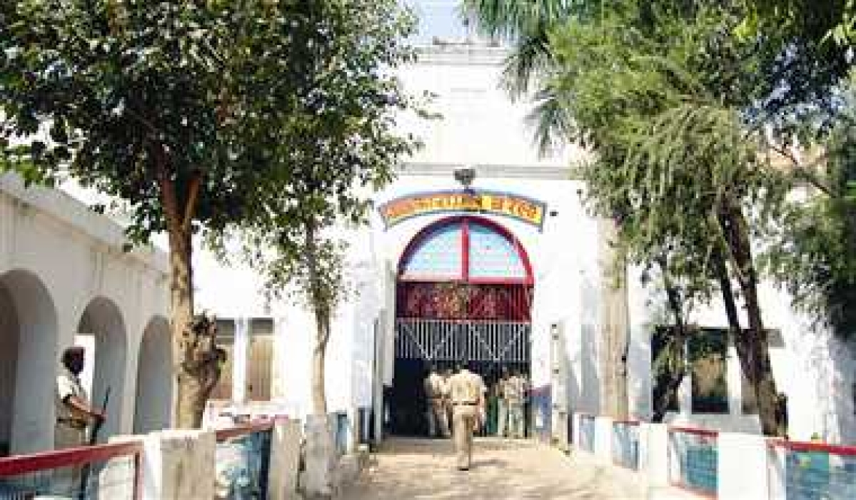3 prisoners killed in clash at Ragauli district jail in UP; probe ordered