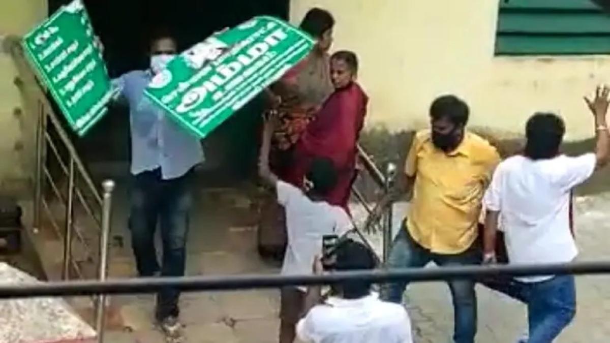 DMK cadres vandalise Amma canteen, arrested