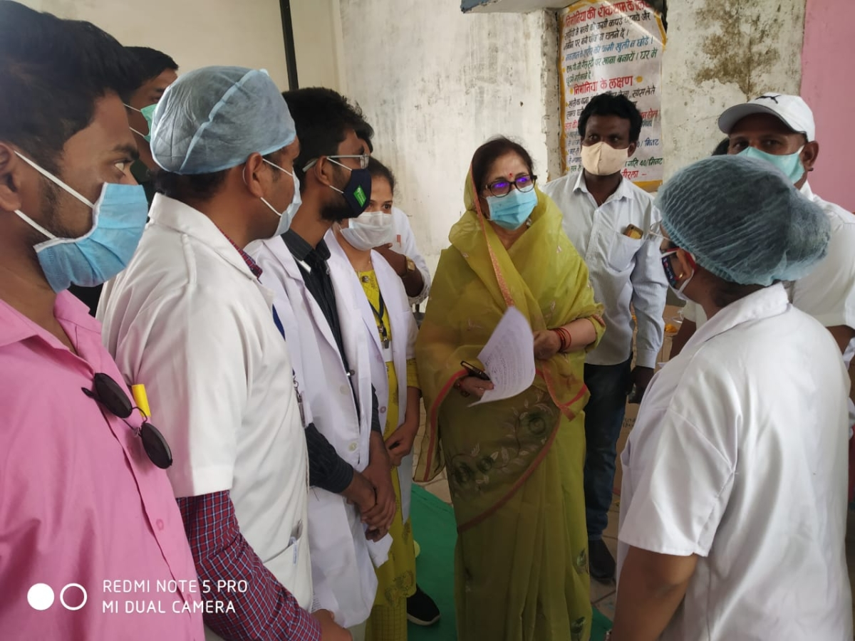 Madhya Pradesh: Contractual health workers in Dhar strike work, Collector ropes in AYUSH doctors for emergency services