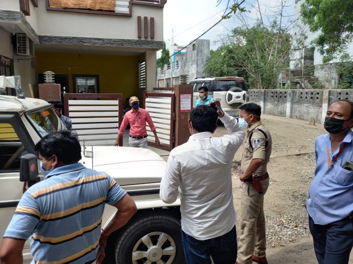 Tehsildar, cops outside the house at Rishi Nagar