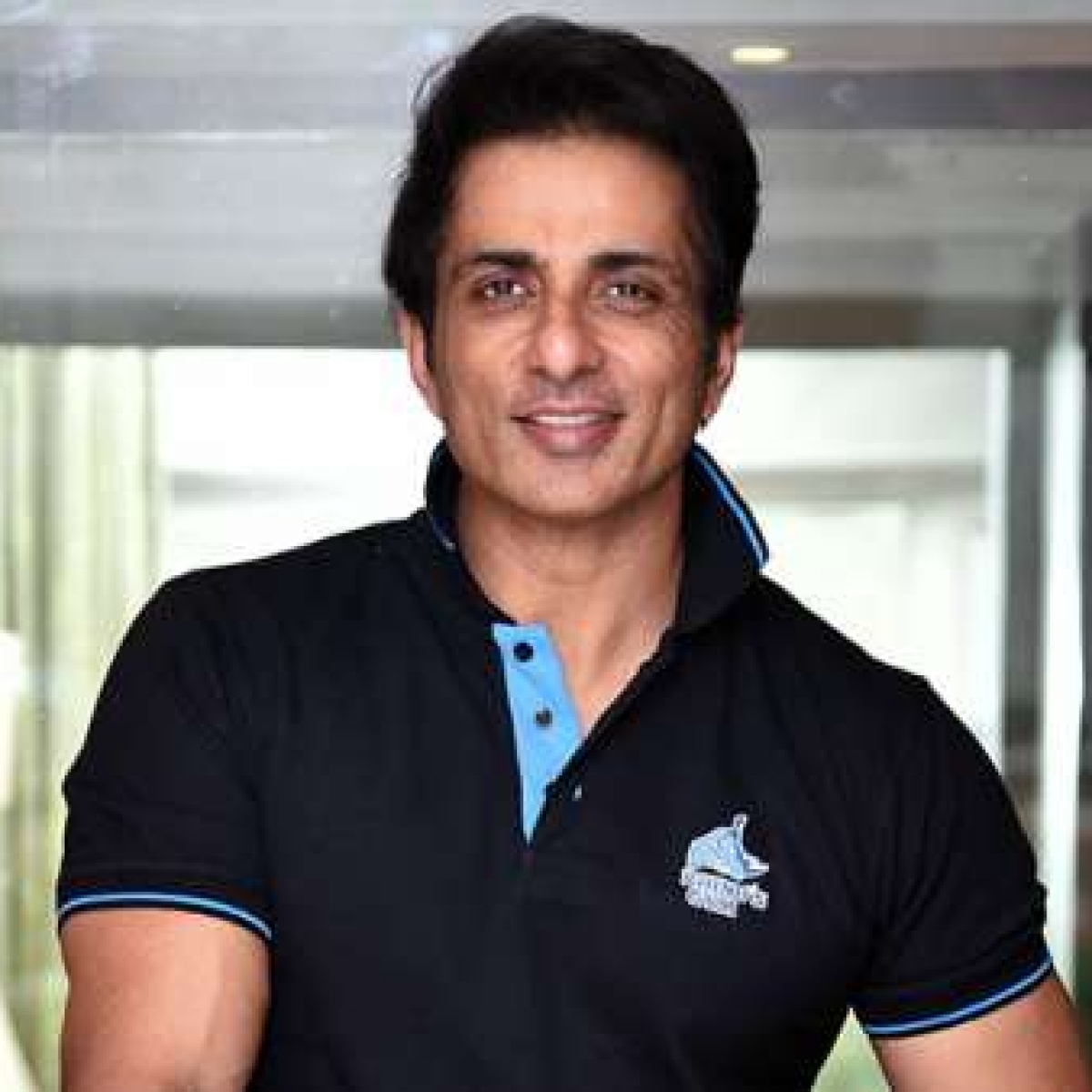 'I am a vegetarian': Sonu Sood's hilarious reaction to fan naming mutton shop after him