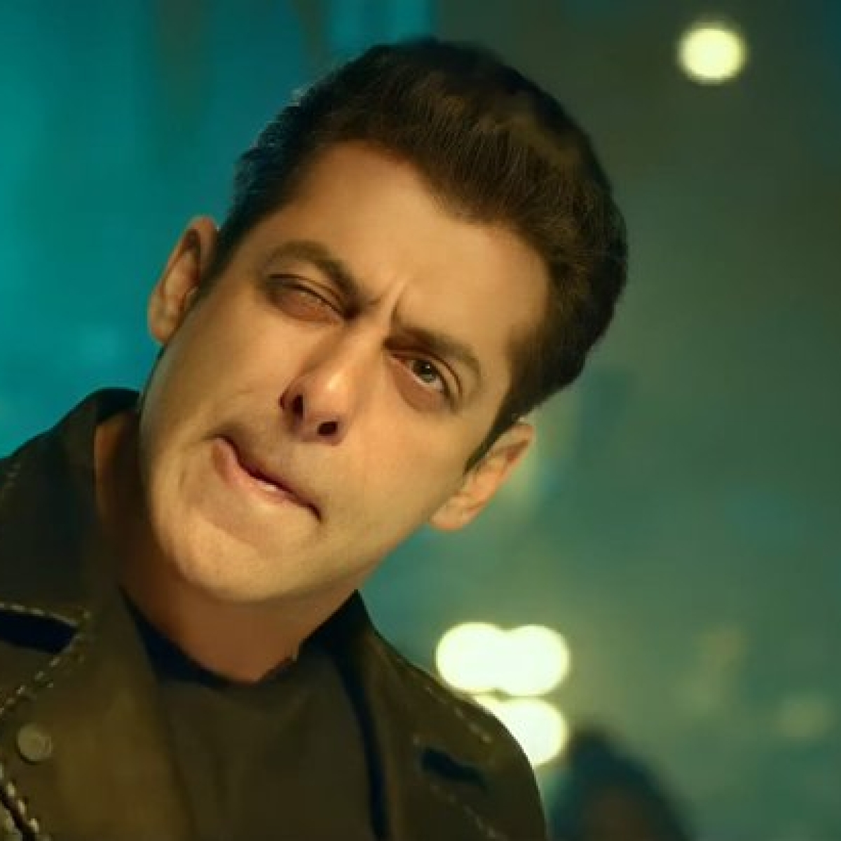 'People are dying, uncle is busy promoting his movie': Salman Khan announces advance booking of 'Radhe' in UAE, gets trolled