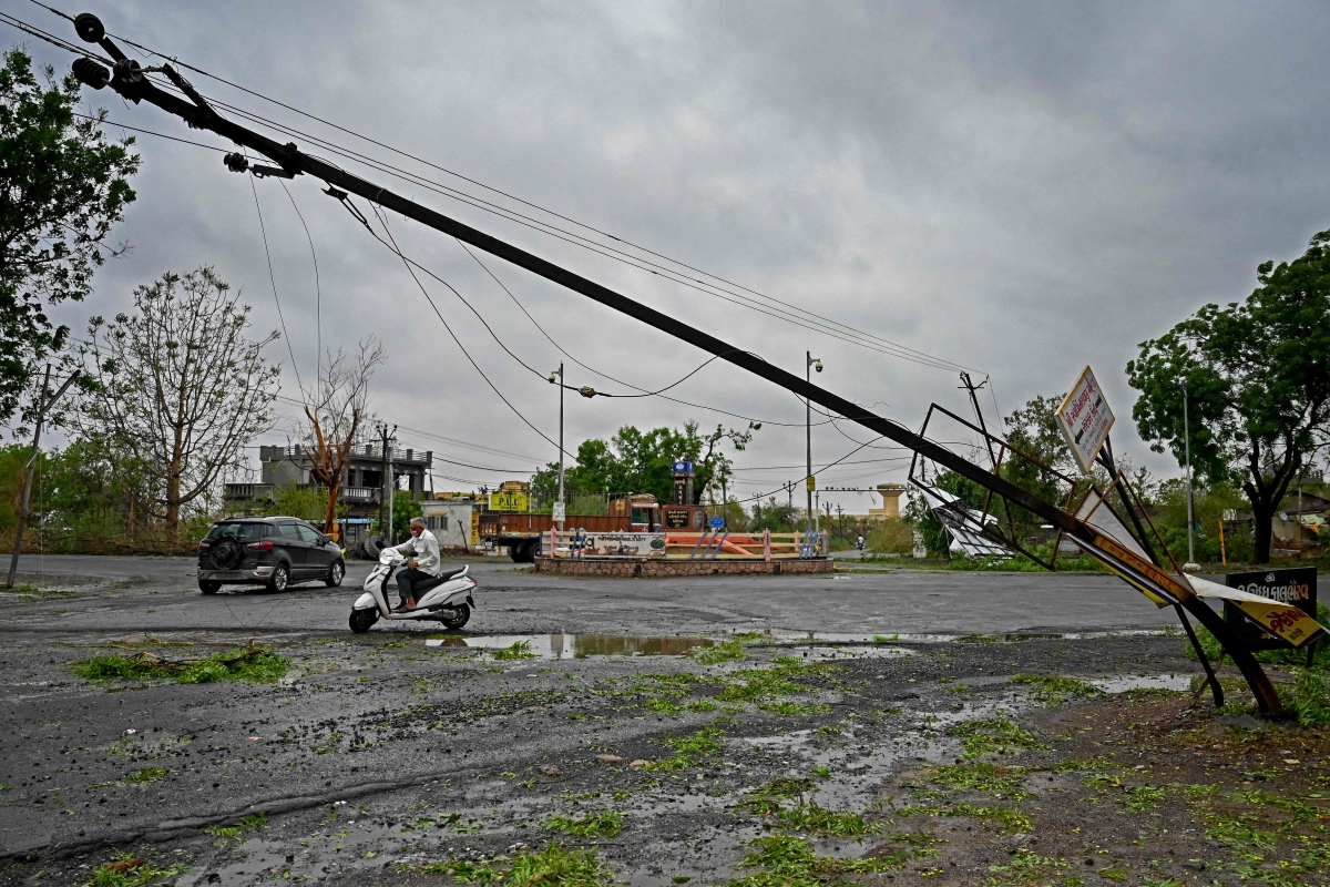 Cyclone Tauktae: Power disruption affects 46.41 lakh consumers in Thane, Raigad, Palghar