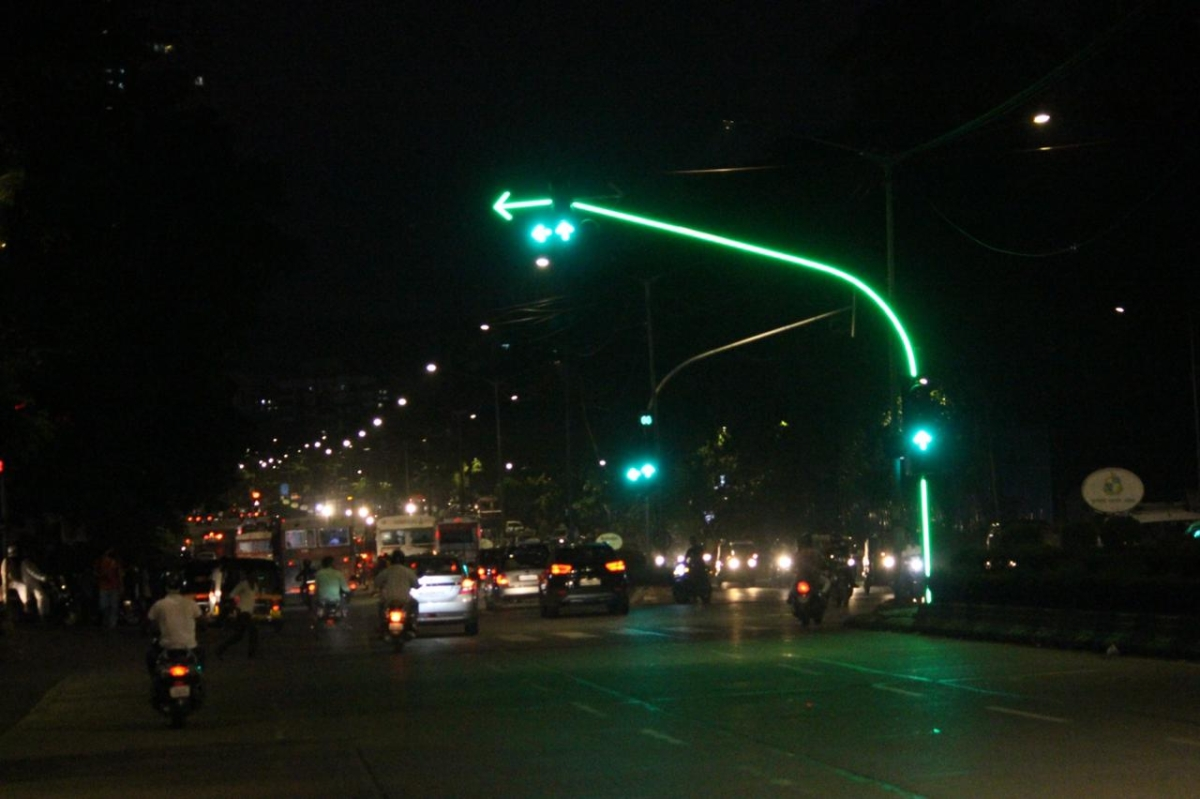 Mumbai: After Worli, Goregaon gets high-end aesthetic traffic poles