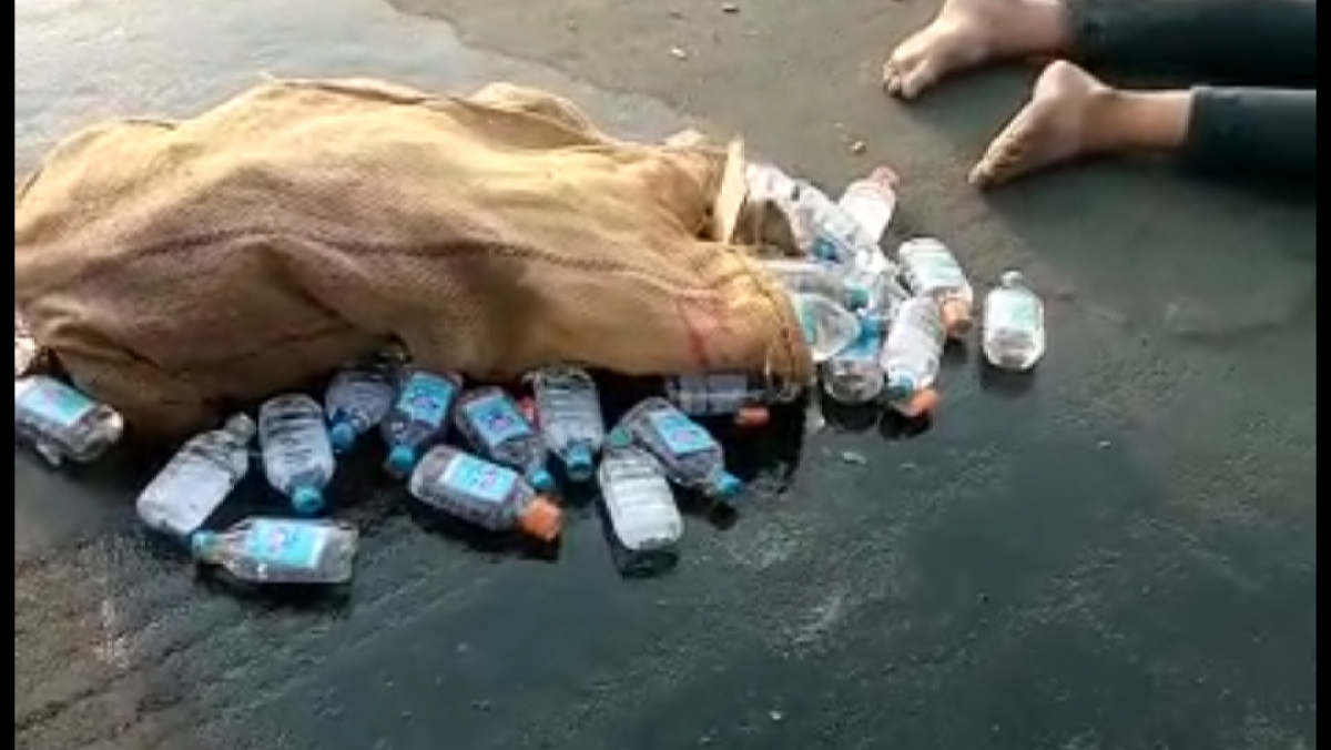 Ujjain: Liquor supply amid second wave of corona; traffickers meet with accident on Dewas Road