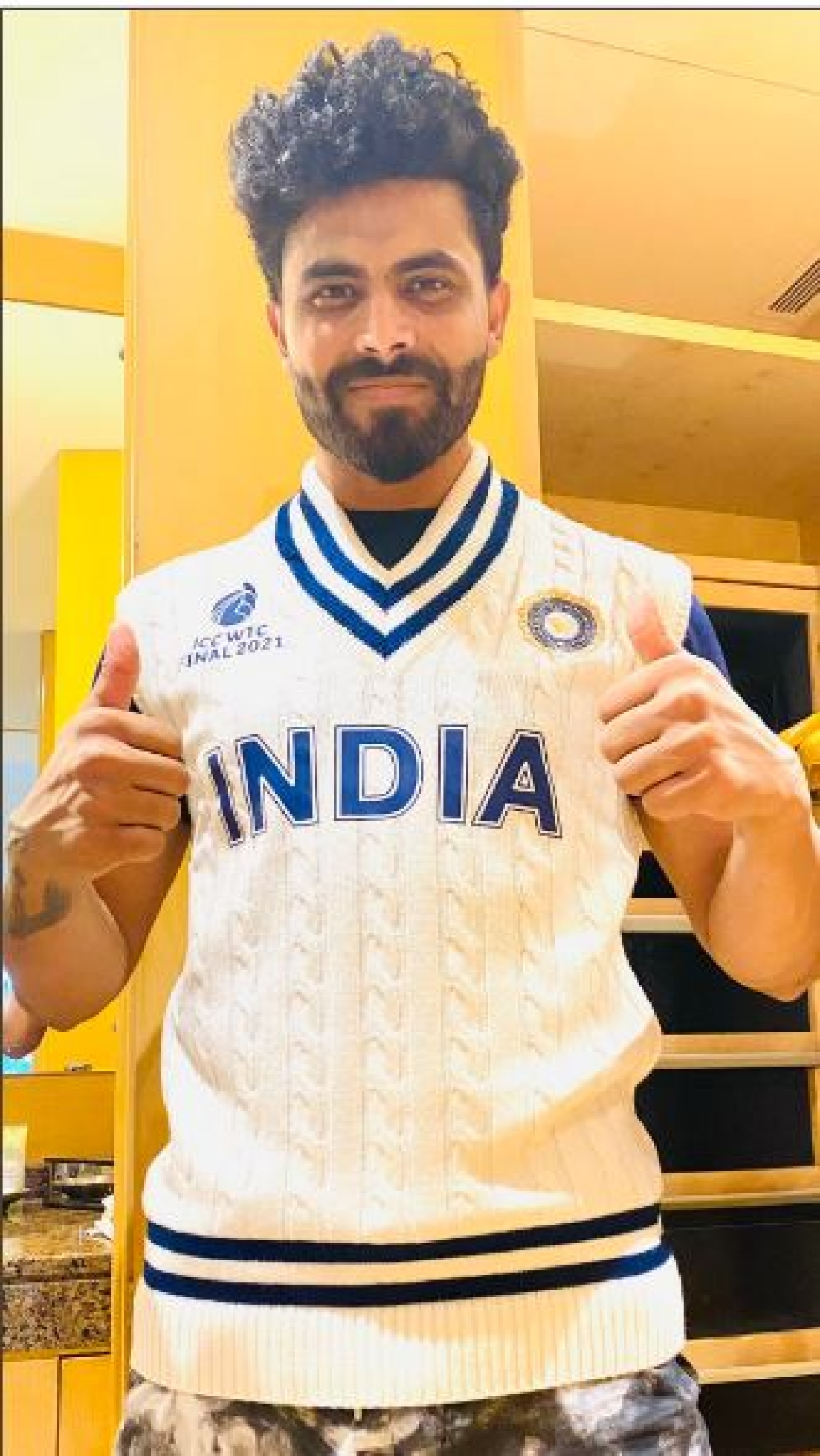 Ravindra Jadeja displays India's retro jumper for WTC final