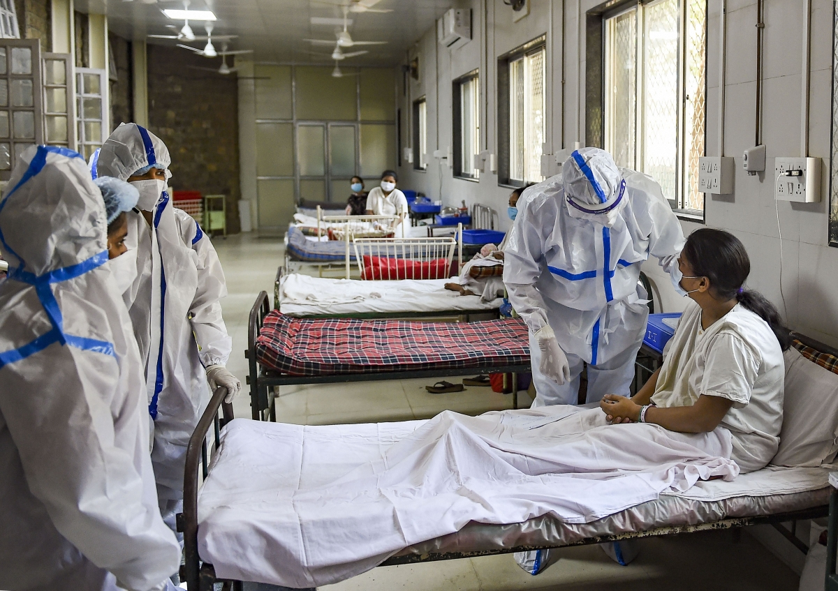 India's COVID-19 case surge continues to slow: 3,29,942 test positive and 3,876 deaths reported in the last 24 hours