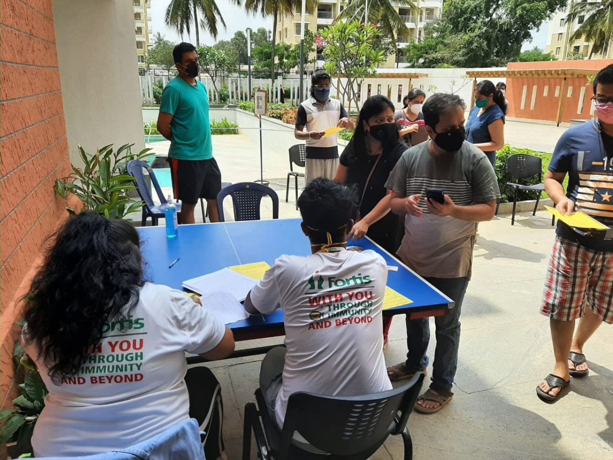 Fortis Hospitals rolls out vaccination camps in RWAs, companies in Bengaluru