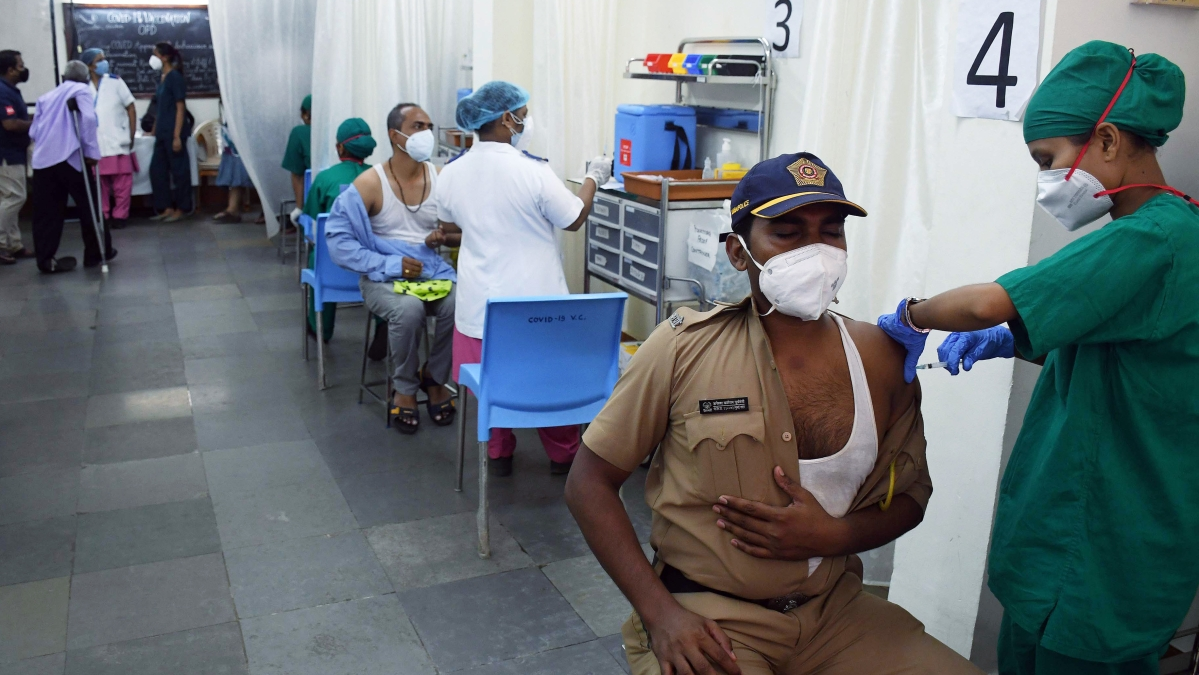 COVID-19: With 3,79,933 people vaccinated in Maharashtra on May 11, tally crosses 1.86 cr