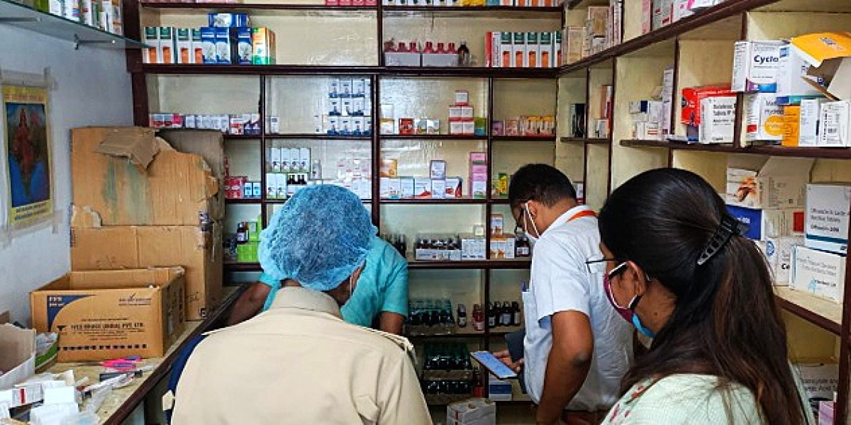 Madhya Pradesh: Clinic of store in-charge of Covid Care Centre in Dhar busted, medicine, equipment seized