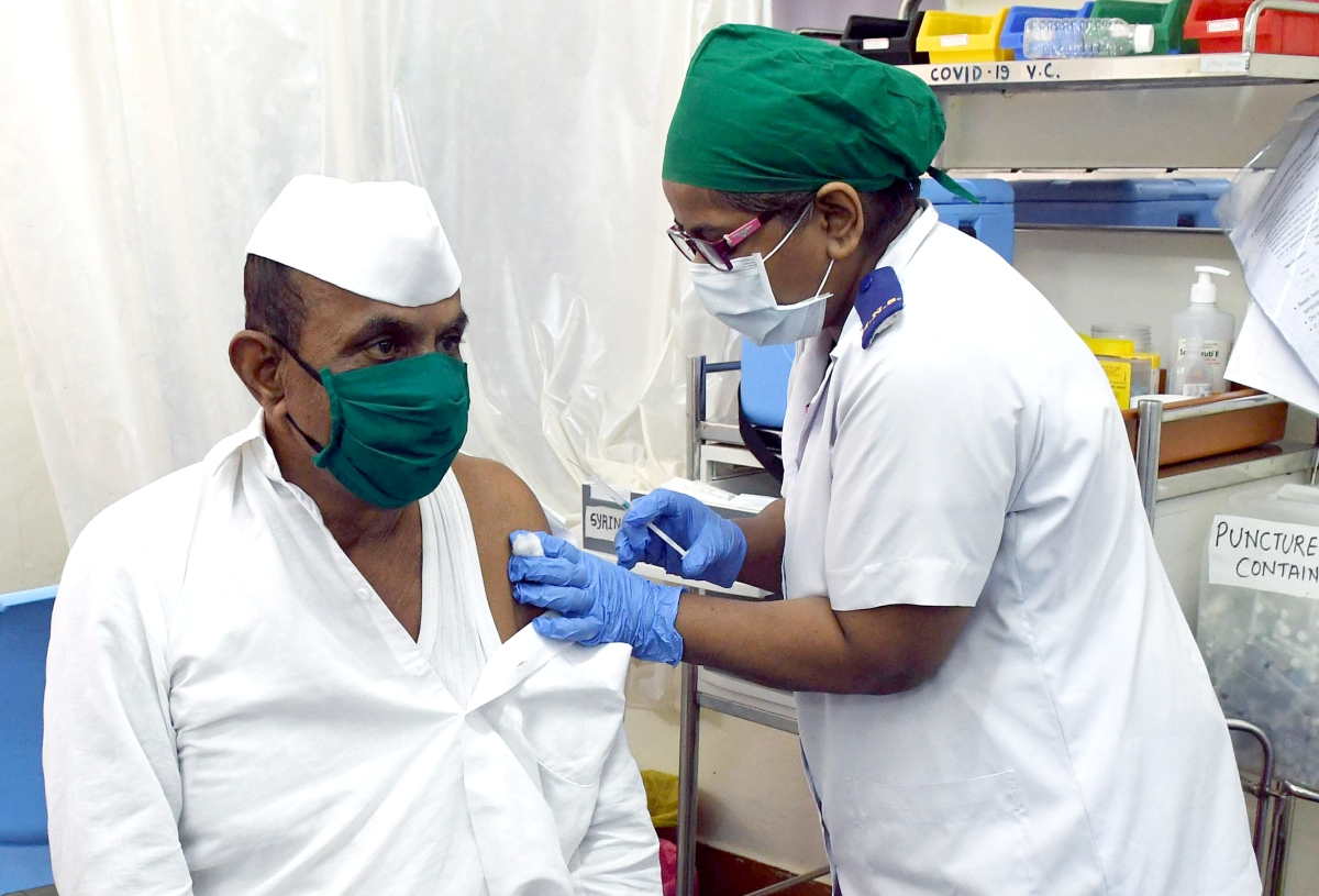 Mumbai records less than 2,000 cases for second day