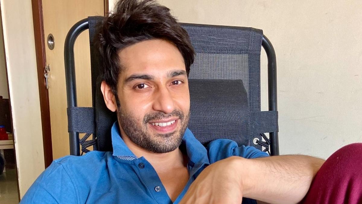 'I like reading and understanding the journey of successful people,' says 'Udaan' actor Vijayendra Kumeria