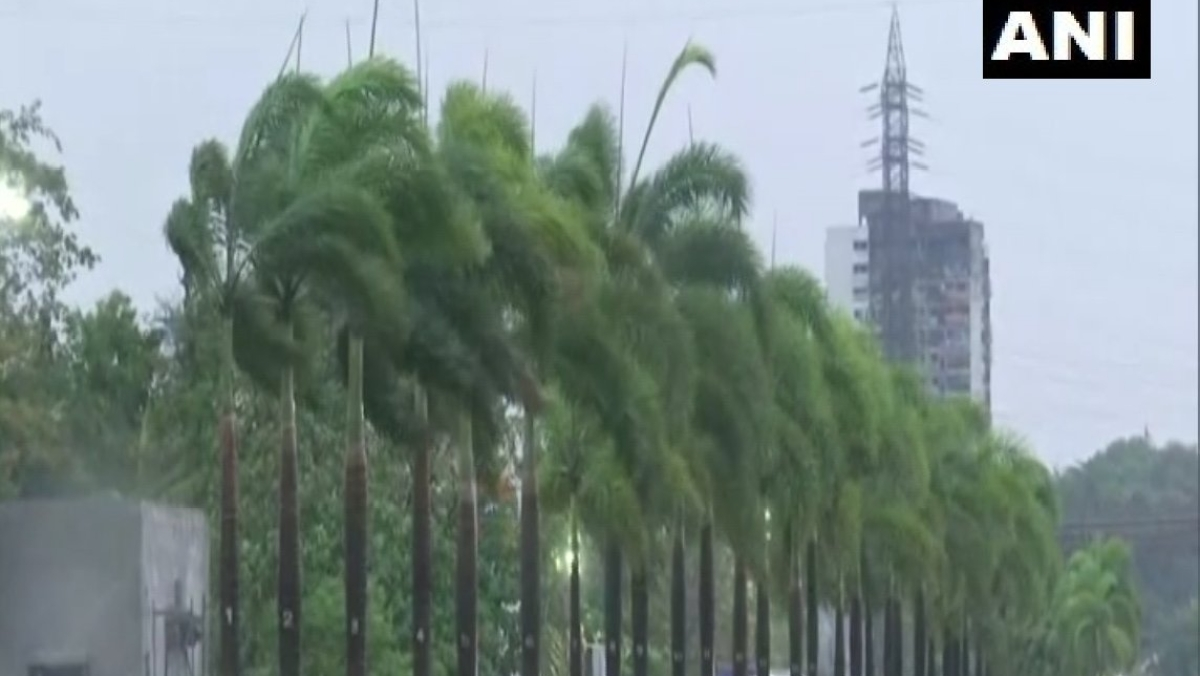 Cyclone Tauktae: Mumbai witnesses gusty winds with rains; IMD issues orange alert