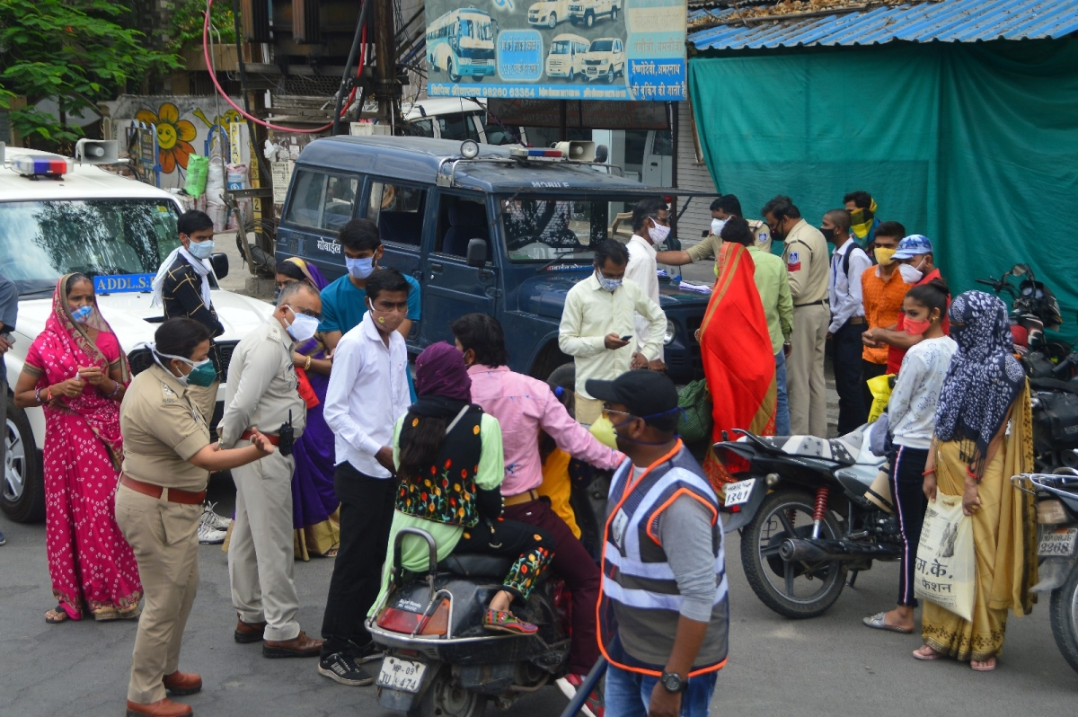 Ujjain: Administration takes Janta to task for defying Curfew; confiscates 110 vehicles