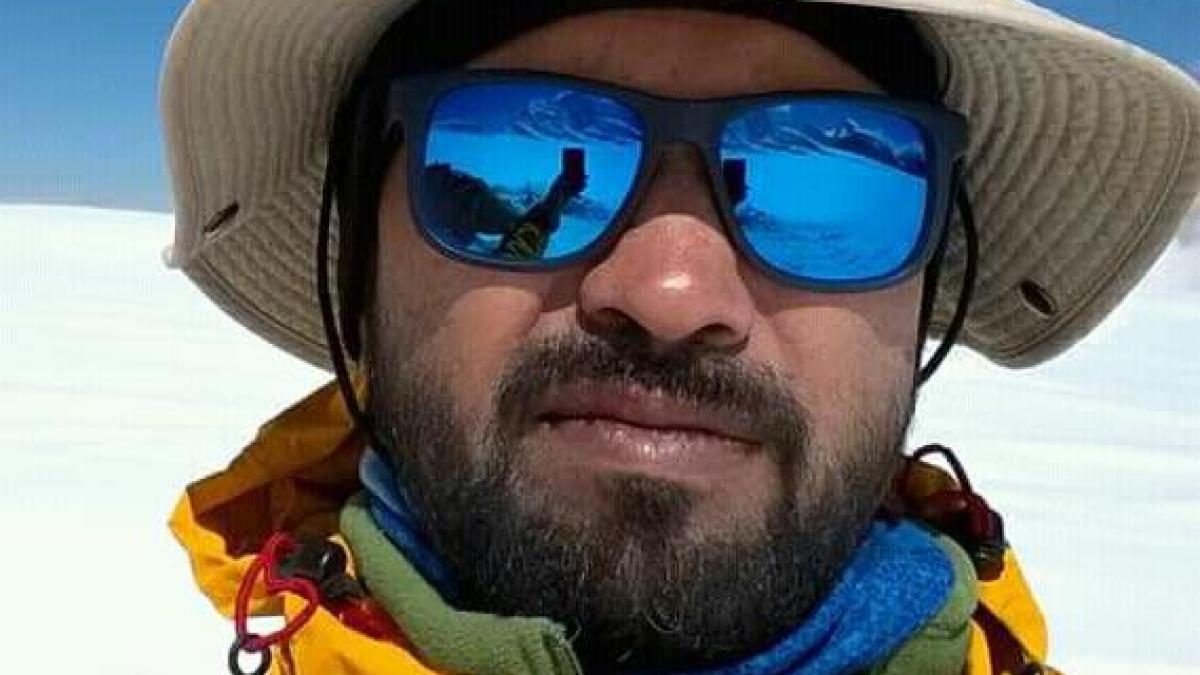 Mumbai: Pune based mountaineer Jitendra Gaware conquerors Mount Everest