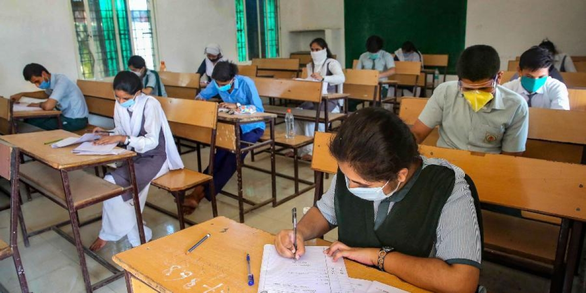 Latest update on Class 12 board exam: CICSE tells schools to submit average scores of students class 11 internal tests