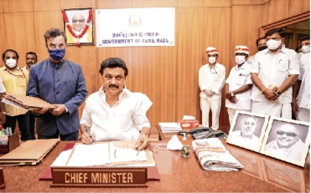 Stalin takes charge, announces sops; team mix of old, new faces