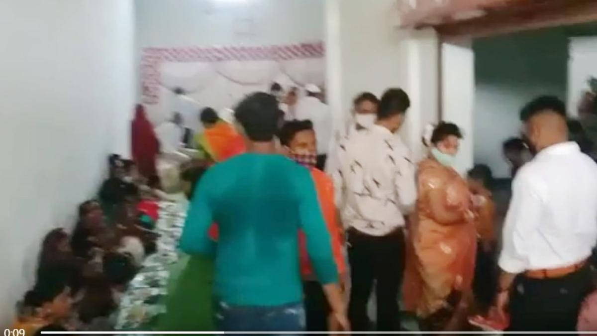 Burhanpur: 15 booked for organising wedding, lockdown breach; 7-day salary  of ward incharge deducted