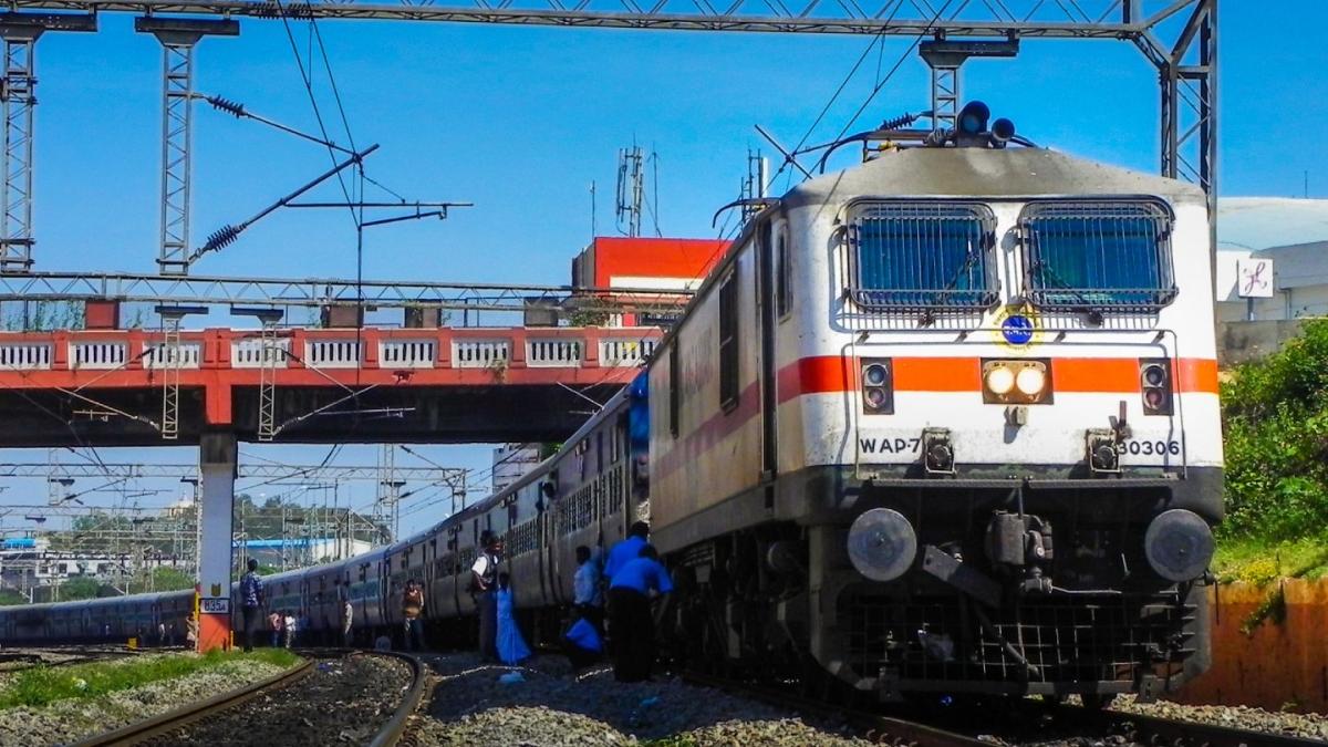 Mumbai: Western Railway starts work on upgrading train speed limits to 160 kmph