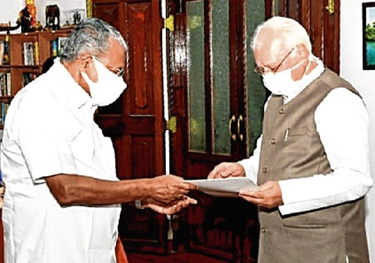CM Pinarayi Vijayan submits his resignation to Governor Arif Mohammad Khan.